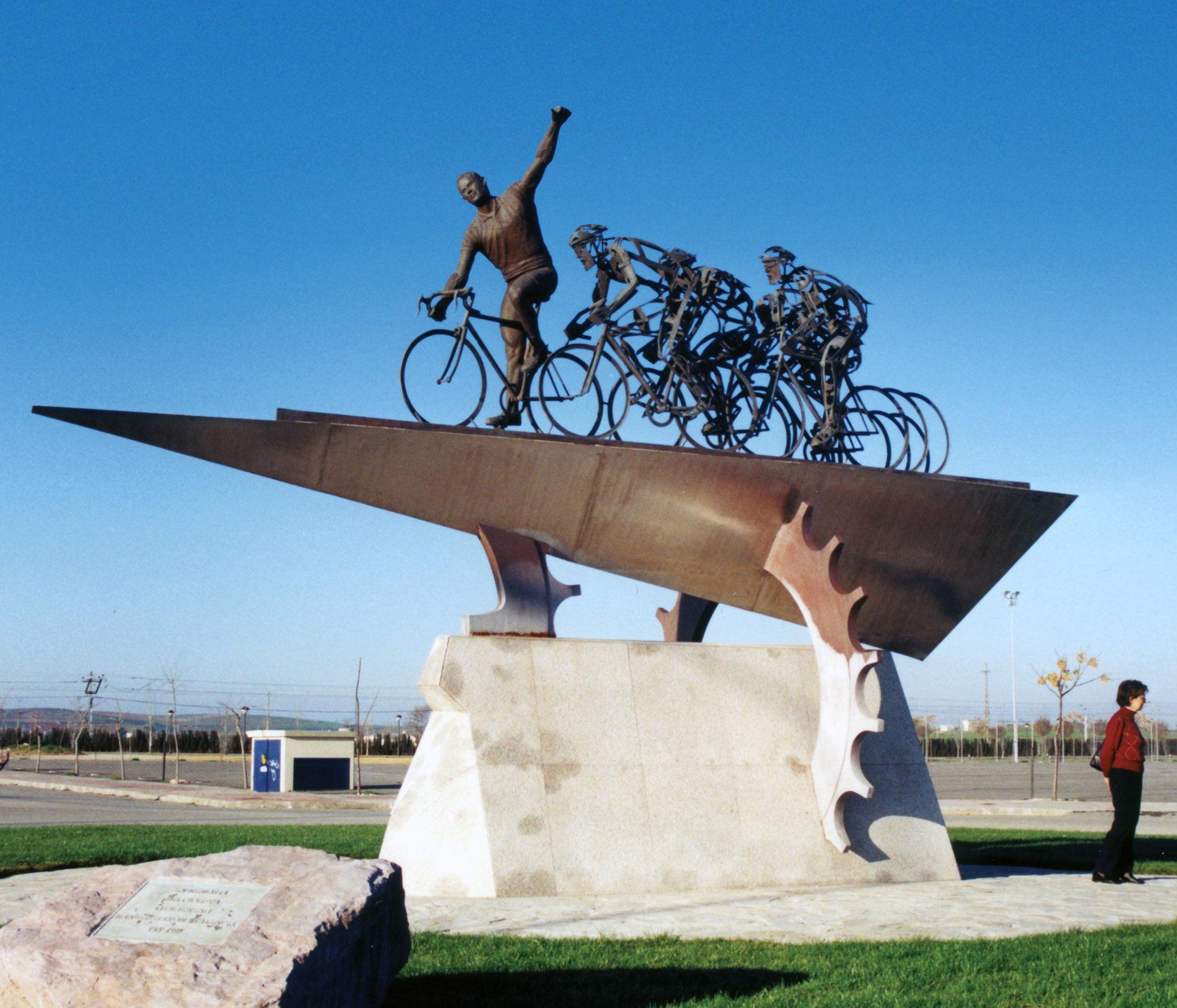 Ciclista Manuel Sanroma Valencia