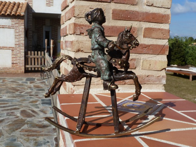 """""""Paseo en unicornio"""" Bronce J.Lillo Galiani"""